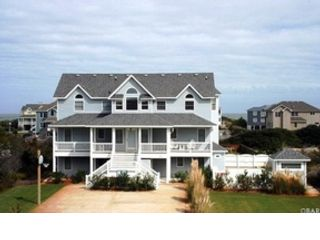 7 BR,  6.50 BTH  Single family style home in Corolla