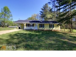 3 BR,  2.00 BTH  Traditional style home in Conyers