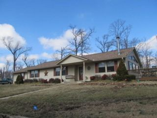 3 BR,  3.50 BTH Single family style home in Fort White
