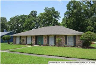 Studio,  0.00 BTH Single family style home in Fort White