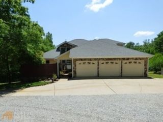 33 BR,  0.00 BTH Single family style home in Grove