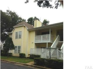 3 BR,  2.50 BTH Single family style home in Flat Rock