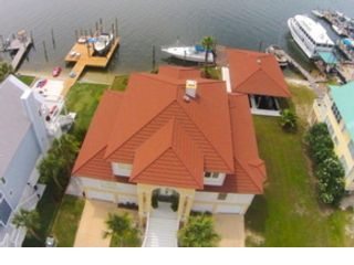 6 BR,  5.50 BTH  Single family style home in Orange Beach