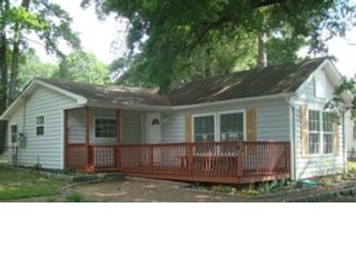 3 BR,  1.00 BTH  Single family style home in Surf City
