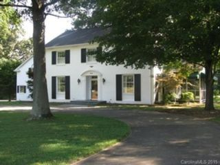 4 BR,  3.00 BTH Ranch style home in Shelby