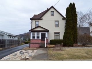 3 BR,  1.00 BTH Single family style home in Detroit Lakes