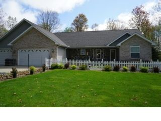 4 BR,  3.00 BTH Single family style home in Stanwood