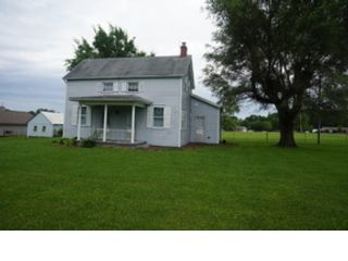 4 BR,  2.50 BTH Ranch style home in Versailles