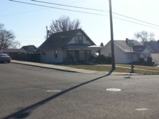3 BR,  1.00 BTH Log style home in Dillsboro