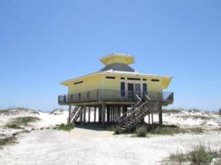 5 BR,  4.00 BTH  Single family style home in Gulf Shores