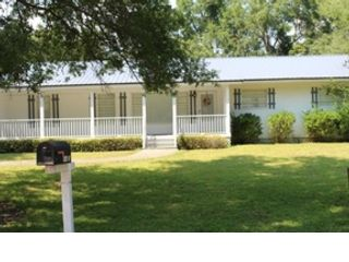 4 BR,  3.00 BTH  Cottage style home in Orange Beach