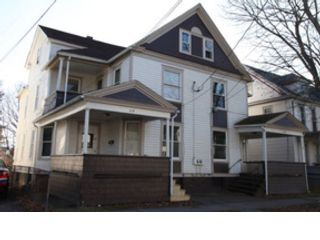 4 BR,  3.00 BTH  1-1/2 story style home in Melbourne