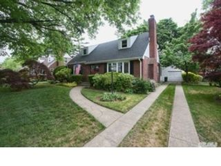 4 BR,  2.00 BTH Ranch style home in Wantagh