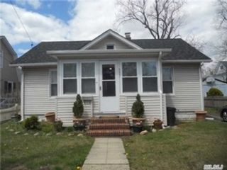 4 BR,  1.50 BTH Single family style home in Seaford
