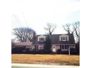6 BR,  2.00 BTH Colonial style home in Syracuse