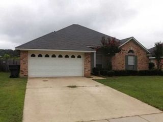 4 BR,  3.00 BTH Single family style home in Bossier City