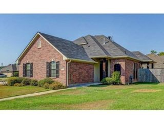4 BR,  2.50 BTH Single family style home in Bossier City