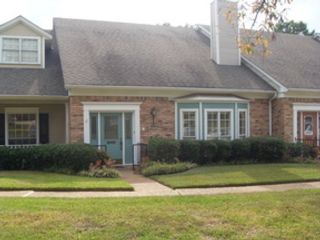 3 BR,  2.50 BTH Single family style home in Benton
