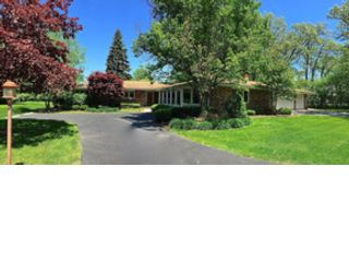 3 BR,  2.50 BTH Single family style home in Palos Park