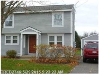 3 BR,  2.50 BTH Single family style home in Lakeside