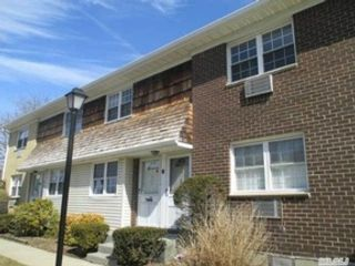 4 BR,  2.00 BTH  Single family style home in Medford