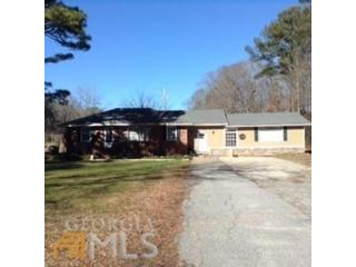 4 BR,  2.50 BTH Single family style home in Fayetteville