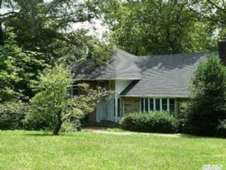 5 BR,  3.00 BTH Single family style home in Lake Park