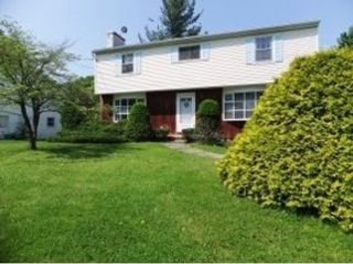 4 BR,  4.00 BTH Single family style home in Dayton