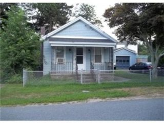 3 BR,  2.00 BTH  Ranch style home in Fall River