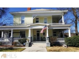6 BR,  5.50 BTH Craftsman style home in Covington