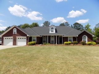 4 BR,  4.50 BTH Traditional style home in Blowing Rock