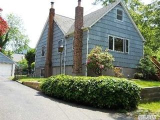 4 BR,  2.50 BTH Single family style home in New Milford