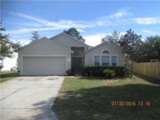 4 BR,  3.00 BTH Single family style home in Palatka