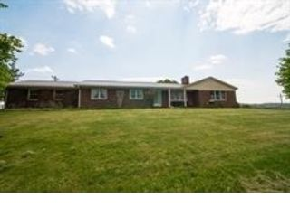 5 BR,  4.00 BTH 2 story style home in Mims