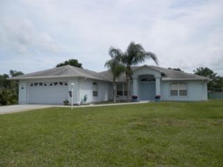 6 BR,  5.00 BTH  2 story style home in Satellite Beach