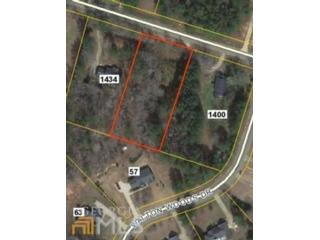 5 BR,  4.50 BTH Single family style home in Newnan
