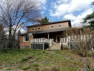 8 BR,  3.50 BTH Single family style home in Worcester