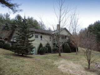 4 BR,  4.00 BTH Single family style home in Danbury