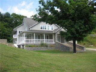 3 BR,  2.00 BTH Farm house style home in Zionville