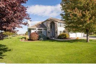 3 BR,  2.00 BTH Single family style home in Narragansett