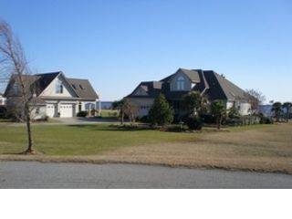 3 BR,  2.50 BTH Condo style home in Danbury