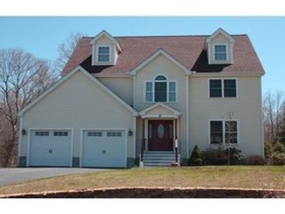 4 BR,  3.50 BTH  Colonial style home in Westport