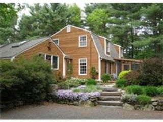 5 BR,  3.00 BTH Single family style home in Amherst
