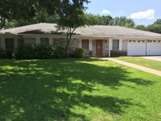4 BR,  5.50 BTH Single family style home in Maryville