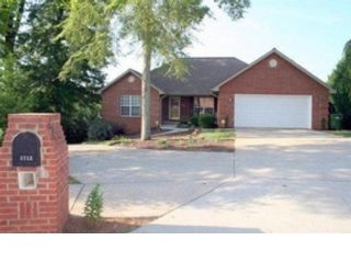 6 BR,  6.50 BTH Single family style home in Maryville
