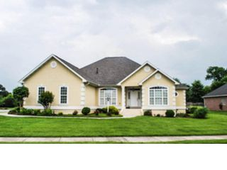4 BR,  3.00 BTH Single family style home in Knoxville
