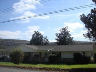 4 BR,  4.00 BTH  Single family style home in Knoxville