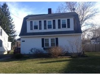 3 BR,  1.00 BTH  Single family style home in Dennis