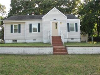 4 BR,  2.50 BTH Single family style home in Loranger