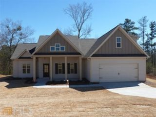 5 BR,  4.50 BTH  Traditional style home in Fayetteville